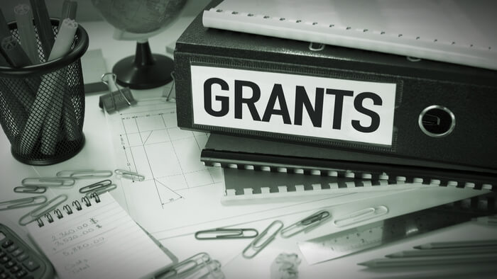 Tips For Submitting a Grant Proposal · Giving Compass