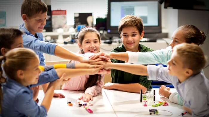teaching strategies for critical thinking A teacher that emphasizes reasoning, logic and validity gives their students access to mathematics as an effective way of practicing critical thinking all students.