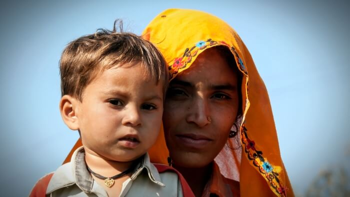 An Impact Bond to SupportMaternal and Newborn Health in India Giving Compass