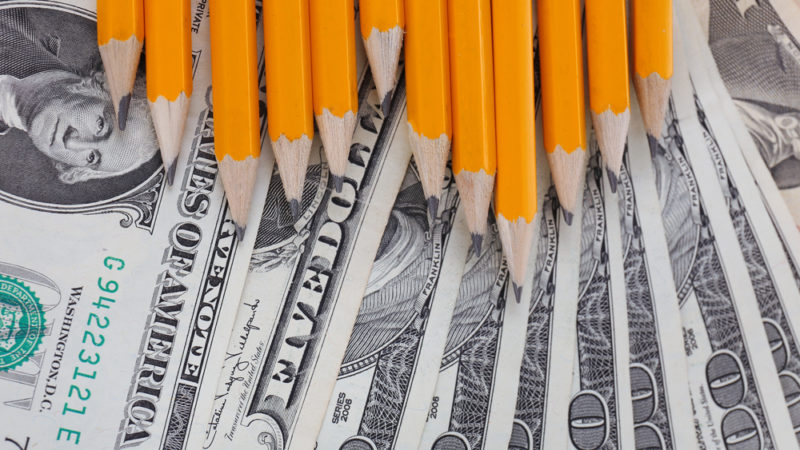 How Can Financial Incentives Improve Student Learning Outcomes?