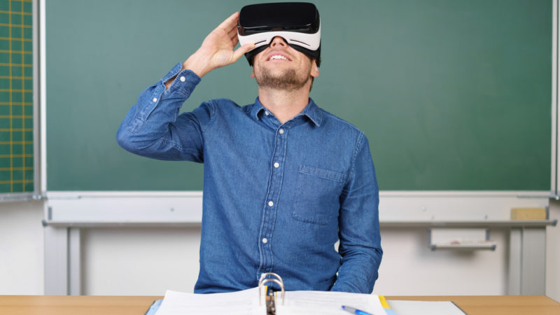 Students Use Virtual Reality to Contribute to Their Communities Giving Compass