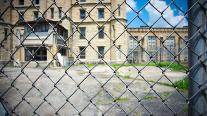 Illinois Prisons' Unjust and Ineffective COVID-19 Response Giving Compass