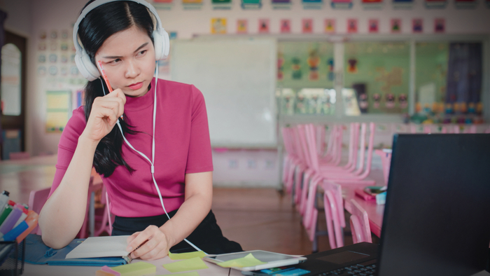 How Teachers Can Utilize a Trauma-informed Approach During Distance Learning Giving Compass
