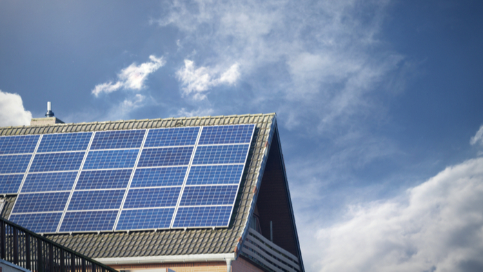 Bringing Rooftop Solar to Communities of Color Giving Compass