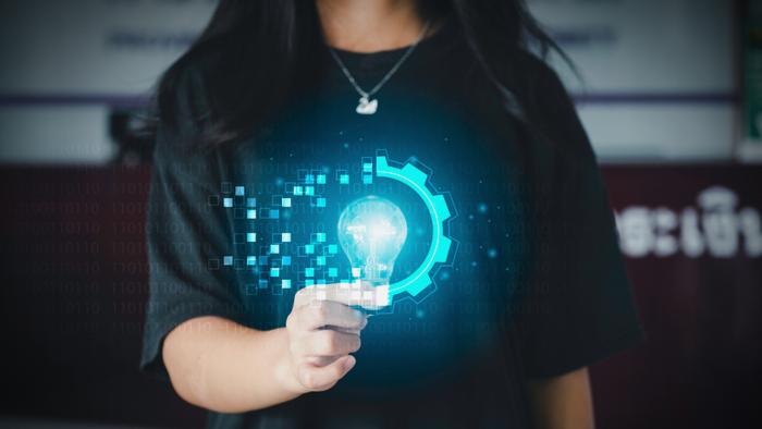 Apa yang Mendorong Donor? Pendekatan Berbasis Pembelajaran Mesin Untuk Memprediksi Respons Kampanye Pemasaran Langsung Nirlaba